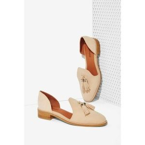 [JEFFREY CAMPBELL] Nude Open Case Loafers